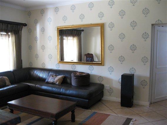 livingroom-stencillled